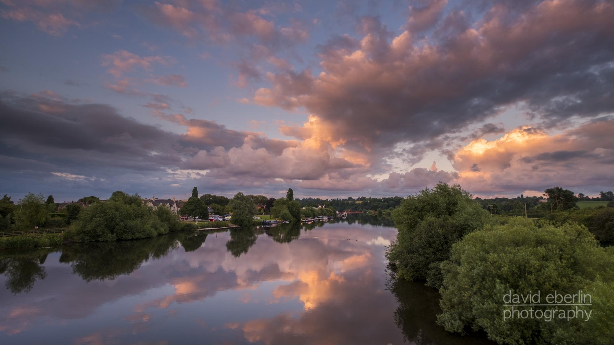 trent river began seeping - HD2080×1170